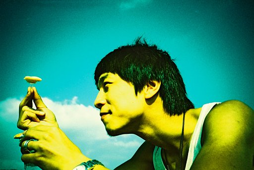 How to Shoot Like Your Favorite Portrait Lomographer