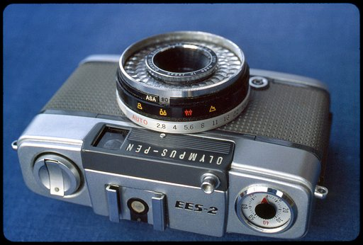 Staff Review: Olympus Pen EES-2