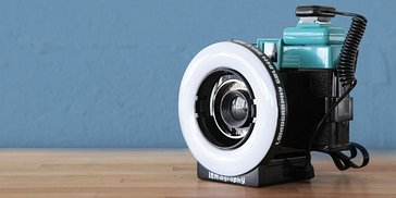 Save 50% on the lomography ringflash with this diana F+ bundle!