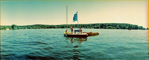 What's Your Horizon Story? Posing at the Wannsee in Berlin