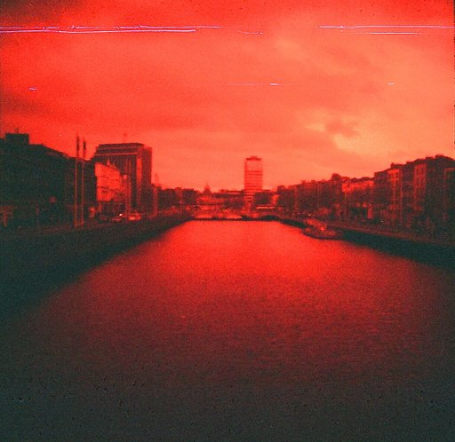 Dublin através do Lomography Redscale 100
