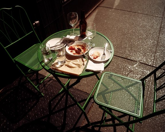 Diego Bazán on Cinematic Street Photography with Lomography Color Negative 400