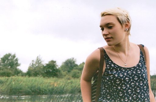 UK Cityslicker Eleanor: Shooting Edgy Fashion in the Countryside