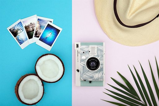 Say 'Hola' to the newest member of the Lomo'Instant Family, the Lomo'Instant Panama!