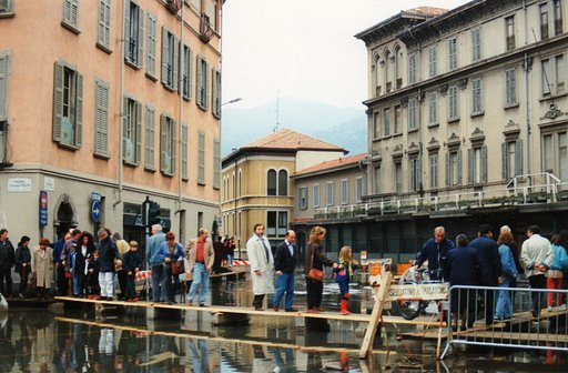 My Autumn Story: Remembering the Historic Flood of 1993 in Como