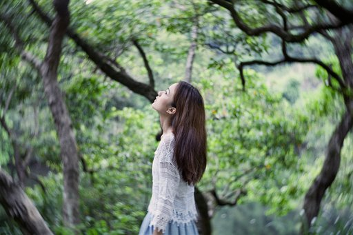 Serene and Melancholic Images with the Petzval 58 by Rraay Lai