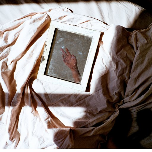 Dreamy Body Portraits – A Conversation with Poet-Photographer Eva Abeling