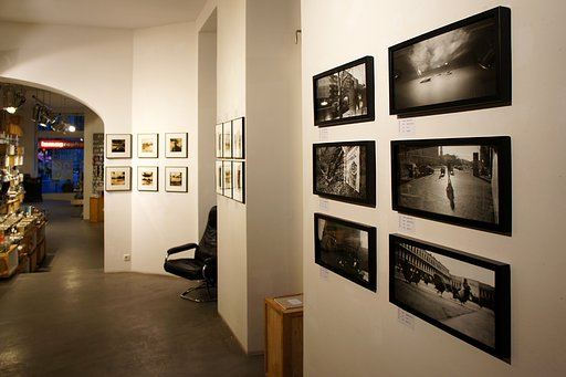Plastic International – An exhibition by Frank Machalowski at the Lomography Gallery Store Berlin