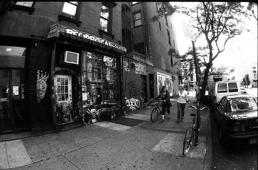 US City Slicker jeabzz: Skateboarding in the East Village