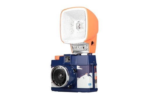 Take a Dreamy Diana Journey down the Snowy Slopes with the Diana Mini and Flash Monte Rosa!