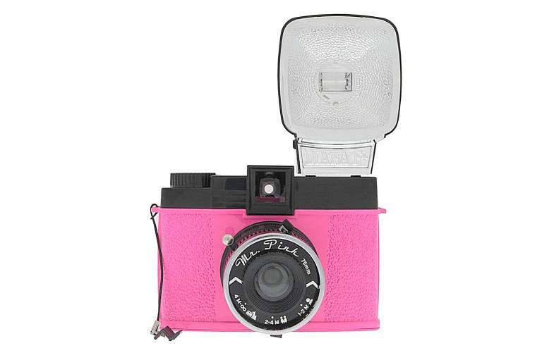 Daily Picks from the Sales Section: Diana F+ Mr. Pink