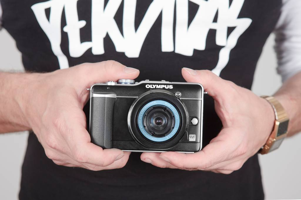 A Step-by-step Guide on How to Mount Your Lomography Experimental Lens on Your Camera