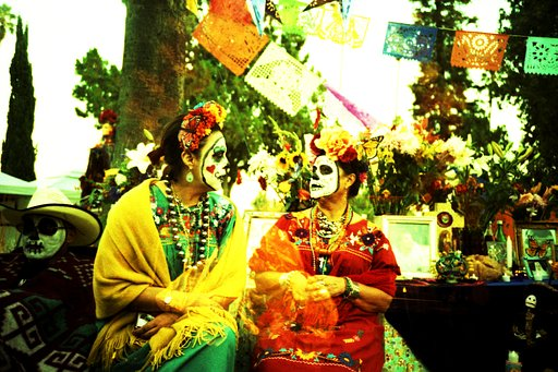Día de Los Muertos: Celebrating the Cycle of Life and Death
