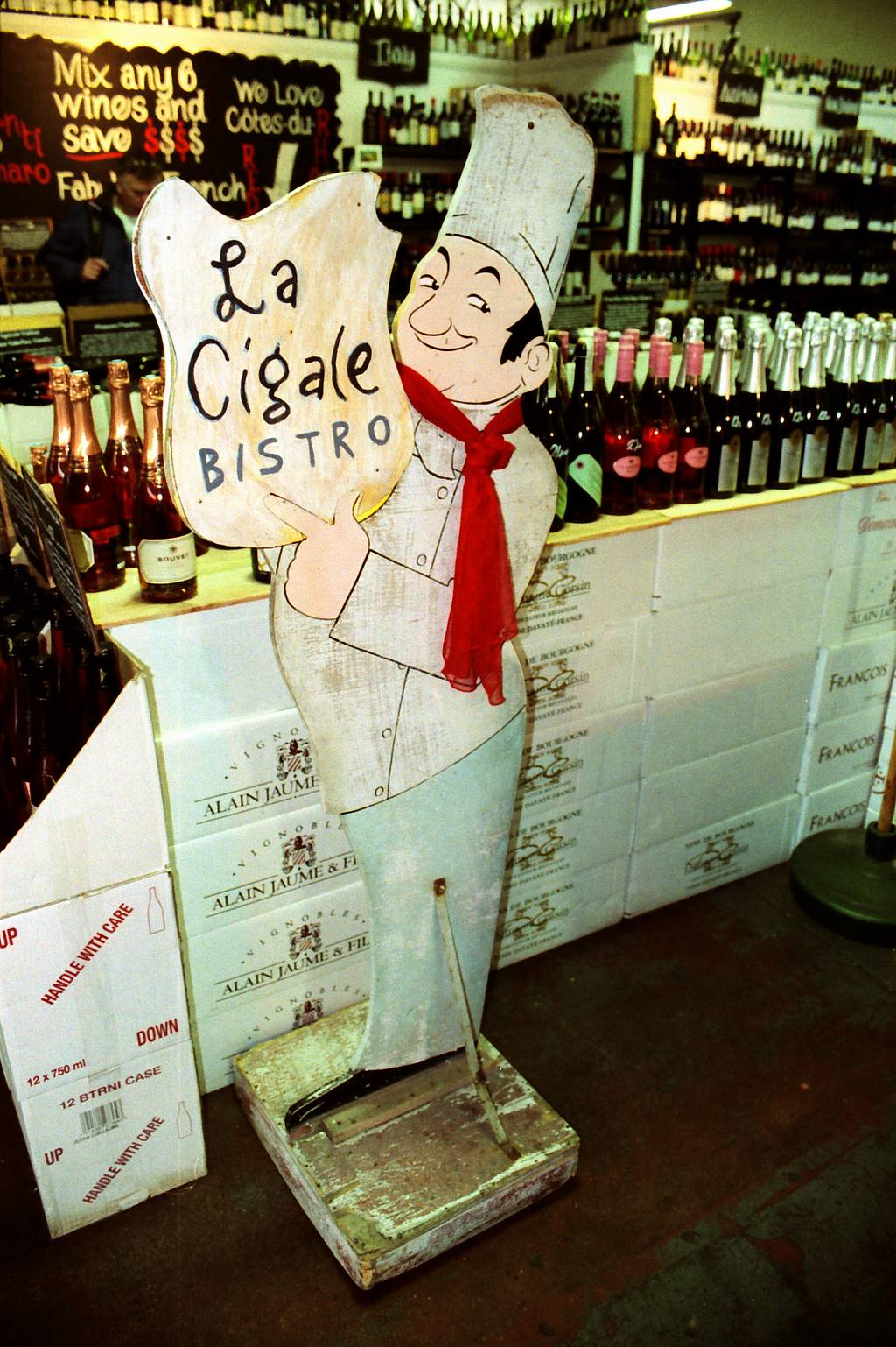 La Cigale: French Themed Market and Cafe