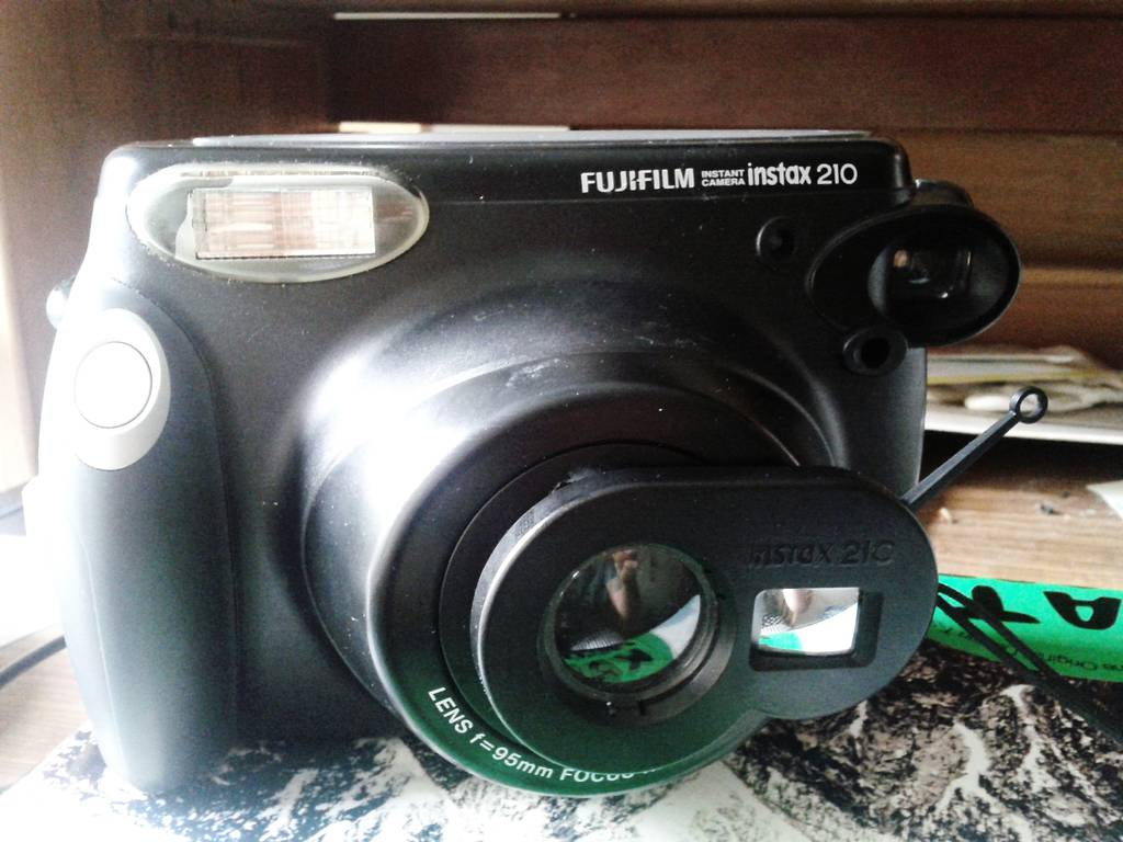 Fix Your Broken Fujifilm Instax  210 Self-Shoot Lens with Used Instant Photo Cartridges!