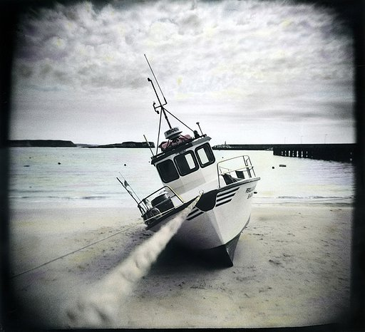 Jonkersey and his Holga: When Black & White Turns Out To Be Colorful