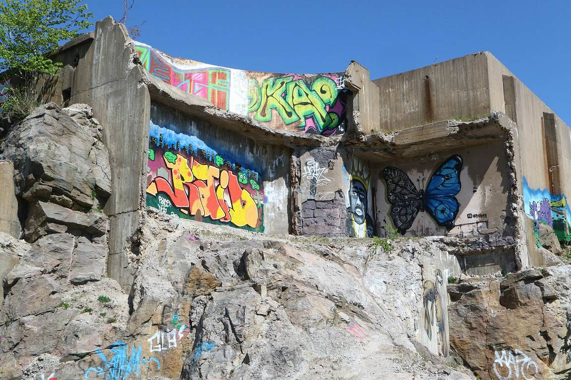 Around the World in Analogue: Graffiti Ruins in Vargön