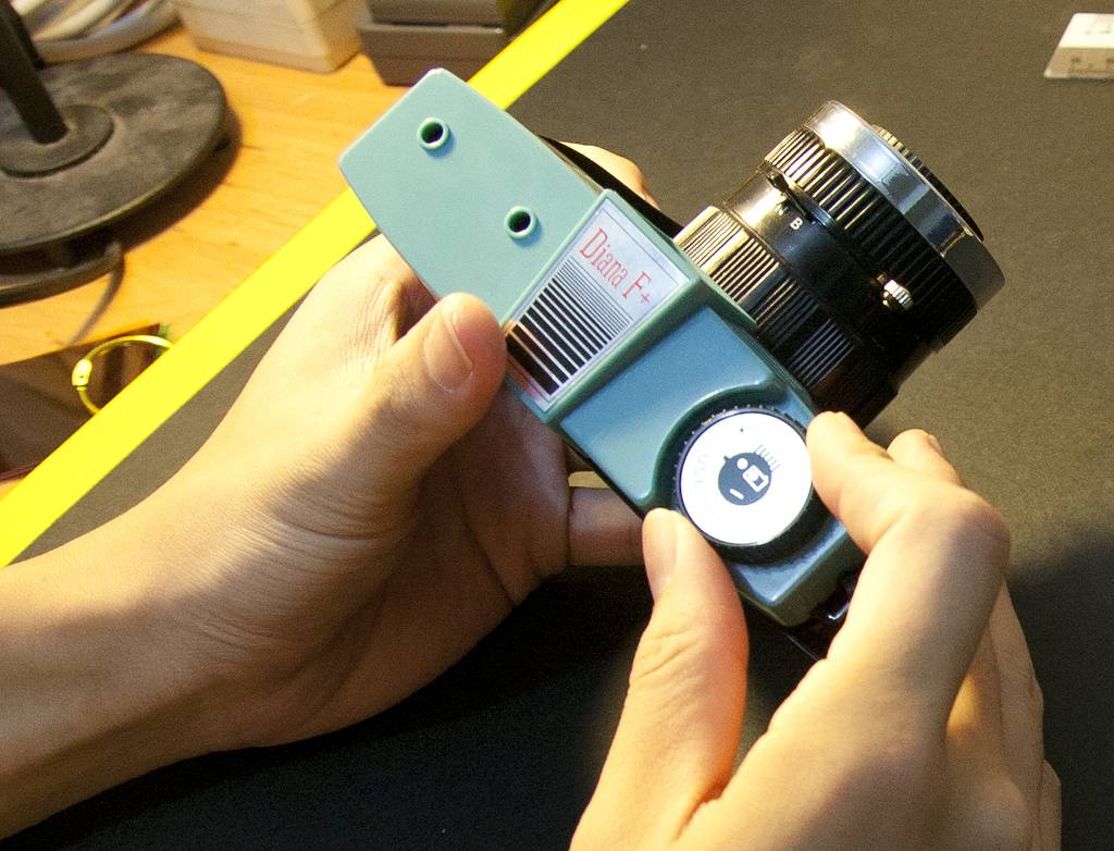 A Proper 35 mm Film Mod for the Diana F+