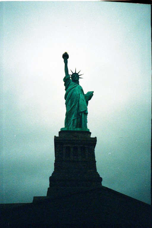 Today in History (1885) : The Statue of Liberty arrives in New York