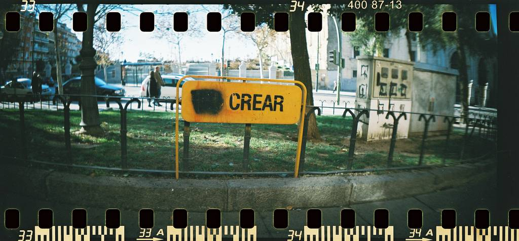 LomoAmigo Dosjotas Shoots with a Sprocket Rocket