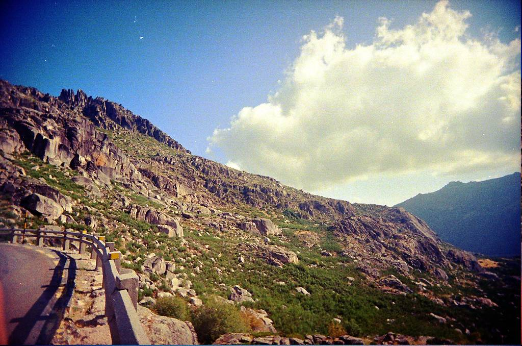 Hiking, Rock Climbing and Sightseeing in Serra da Estrela, Portugal.