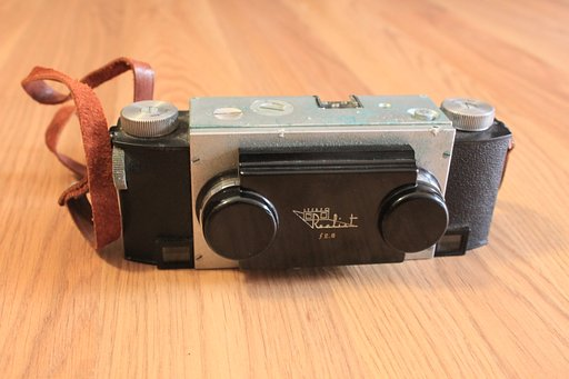 The Stereo Realist: An Old Relic