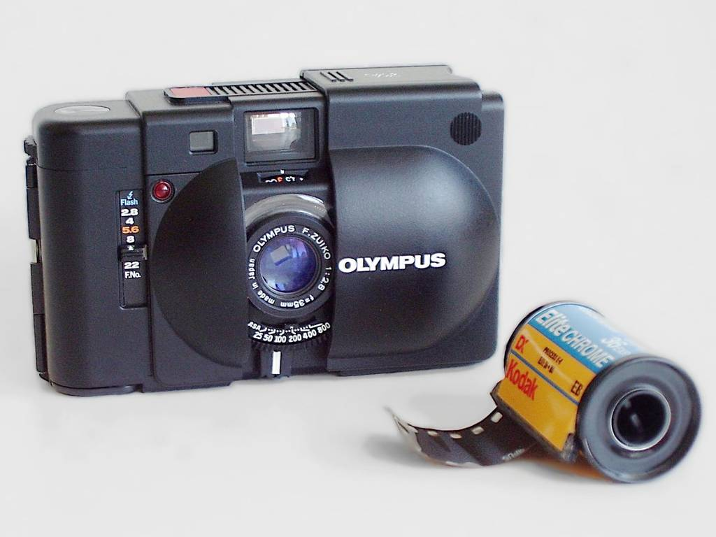 Olympus XA - Staff Review