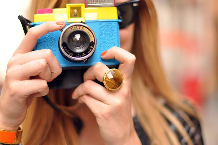 The Blonde Salad Discovers Lomography!