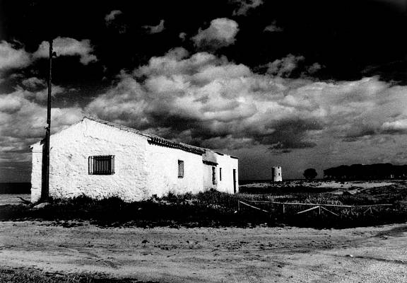 Dramatic Sky With B/W Roll and Red Filter