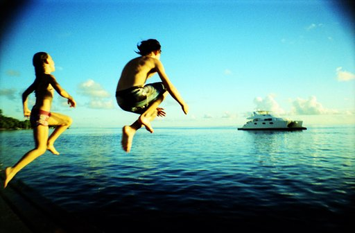 Raiatea Lodge Sunset Pier with La Sardina