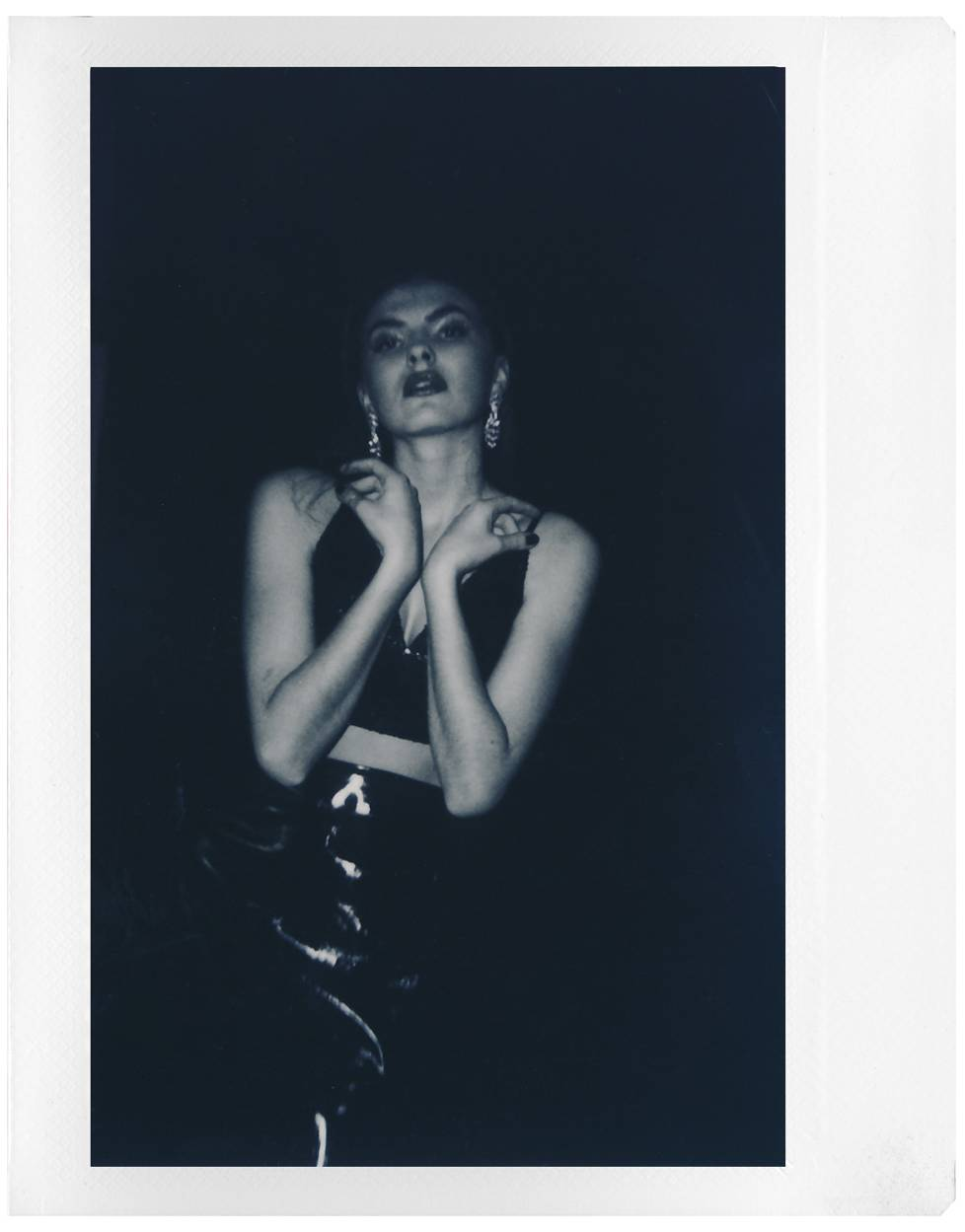 Elisabeth Gatterburg: Reviving Old Hollywood Glam with the Lomo'Instant Wide