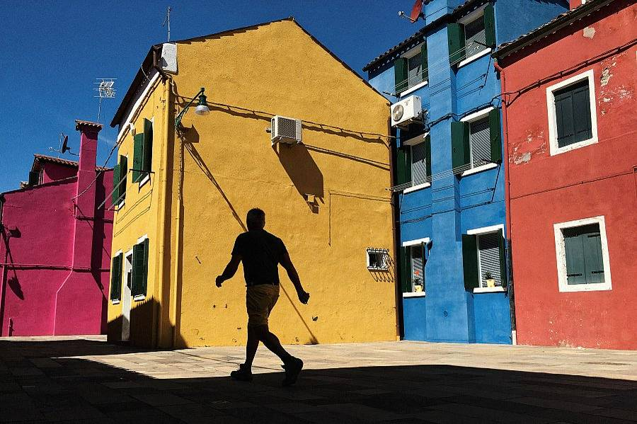 An Island of Colors: Mirko Saviane in Burano