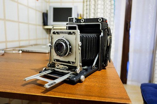 Lomopedia: Graflex Crown Graphic