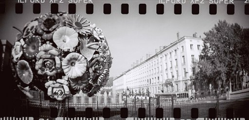 LomoWalk Lomography x Poltred : Exploring the Street of Lyon in B&W