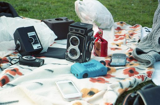 It's Springtime: Let's do a Lomo Picnic!