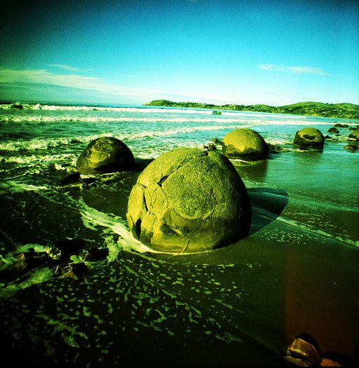 Moeraki Boulders: Are These Alien Eggs?
