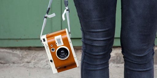 Change the View in an Instant with a Lomo'Instant Camera!