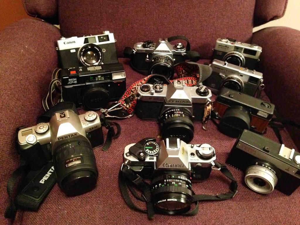 Camera Collections: Stevemoose76's Shelf of  Classic Cameras