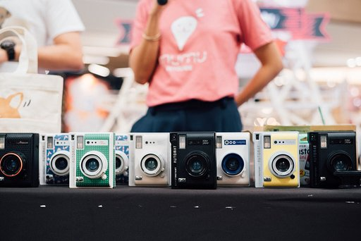 Howl magazine x Lomography: Lomo'Instant Workshop