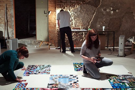 """Be An Explorer"" Campaign: The Making of the 80-Meter Long LomoWall"