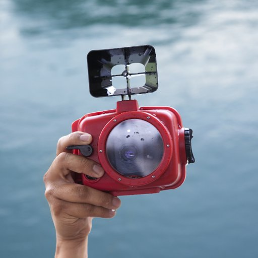 Grab Any Lomo LC-A+ or LC-W Camera and get Half OFF the Lomo LC-A+ Krab Underwater Housing!