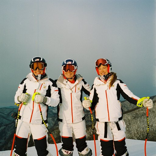Laurenne Ross: Ski Diaries with the Lubitel