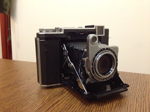 Secondhand Love Affair: Adding a Hand-Me-Down Camera to the Collection (Part 2)