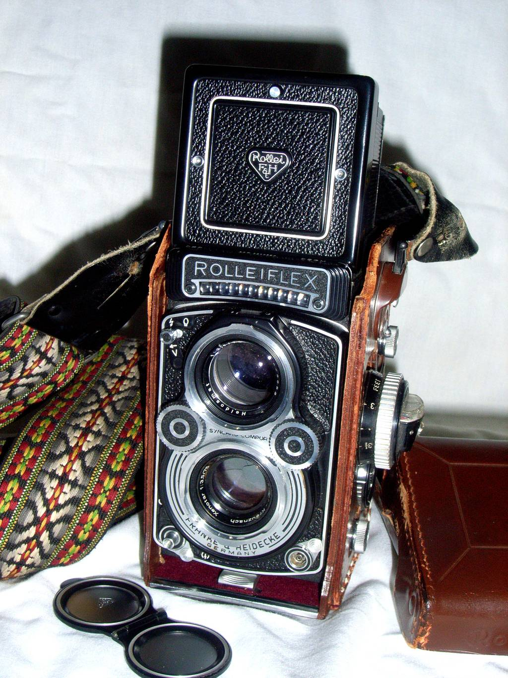Rolleiflex 3.5f and the Dangers of Adolescent Rudeness