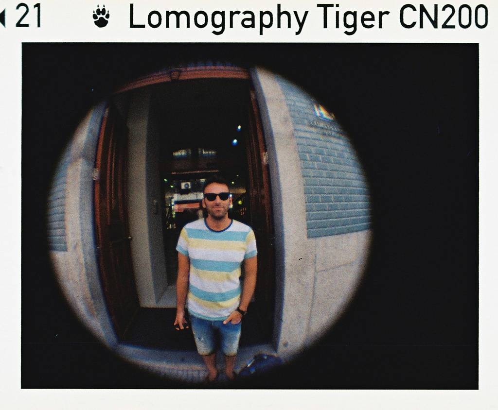 Community LomoAmigo Juansupergen Shoots his Fisheye Baby in Living Color!