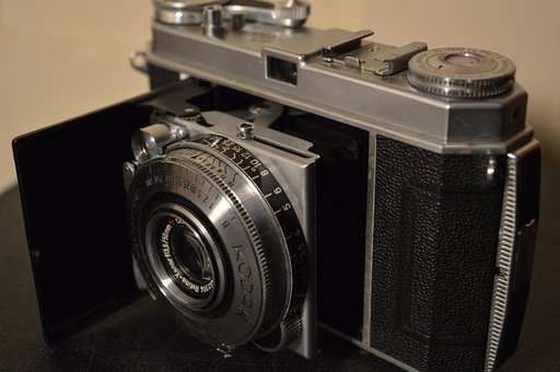 A Frankenstein Limbo Camera: A Review of Kodak Retina Ia