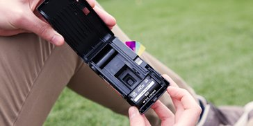 Lomography Tutorials: How To Reload Your Simple Use Film Camera