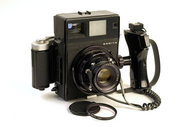 Mamiya Press Universal - The Mac Daddy of the Medium Format Rangefinders!