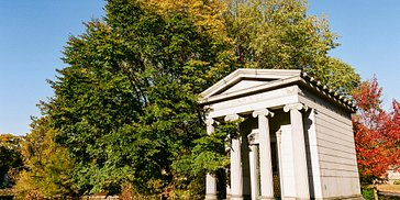 Graceland in Fall – a Photo Gallery by @paulsager