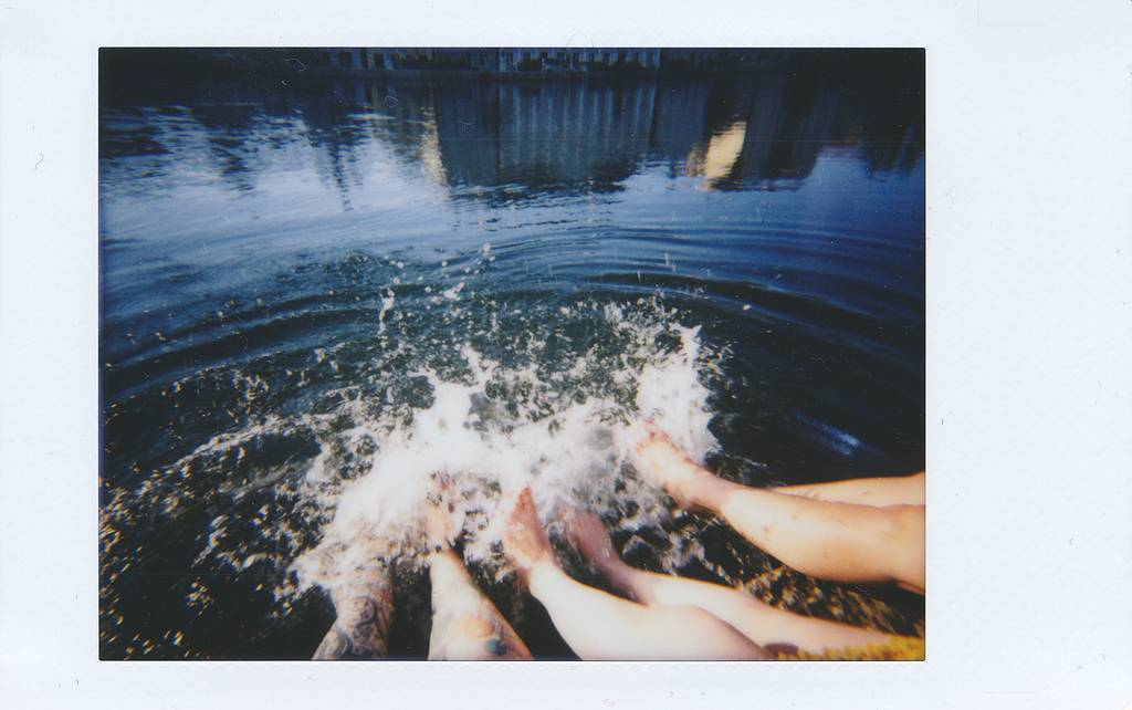 Capture the Action with the Lomo'Instant